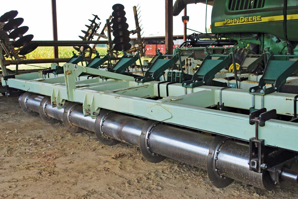SHOP-MADE-STRIP-TILL-RIG.jpg